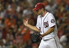 What the heck is going on with Scherzer's finger? photo via wp.com