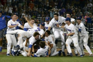 Florida Gators; your deserving 2017 CWS champs. Photo via Alligator Army